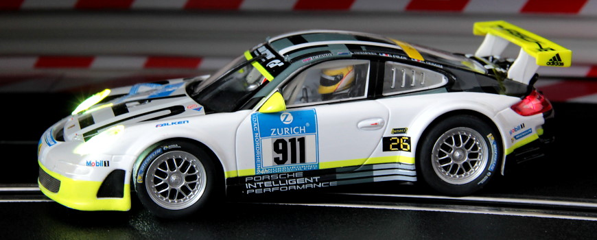 Carrera Digital 132 Porsche 911 GT3 RSR Manthey Racing