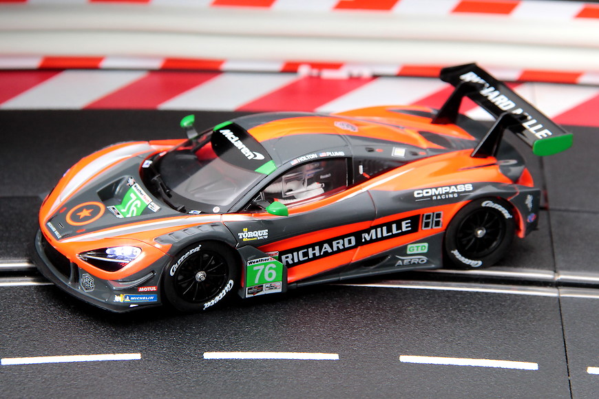 Carrera Digital 132 McLaren 720S GT3 Compass Racing Nr.76 (30893)