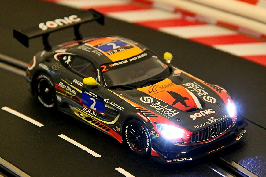 Carrera D132 Mercedes AMG GT3 Action